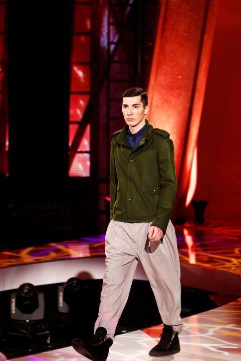 Fashion-Hero-Epi03-Gewinneroutfits-Tim-Labenda-Karstadt-01-Richard-Huebner - Bildquelle: Richard Huebner