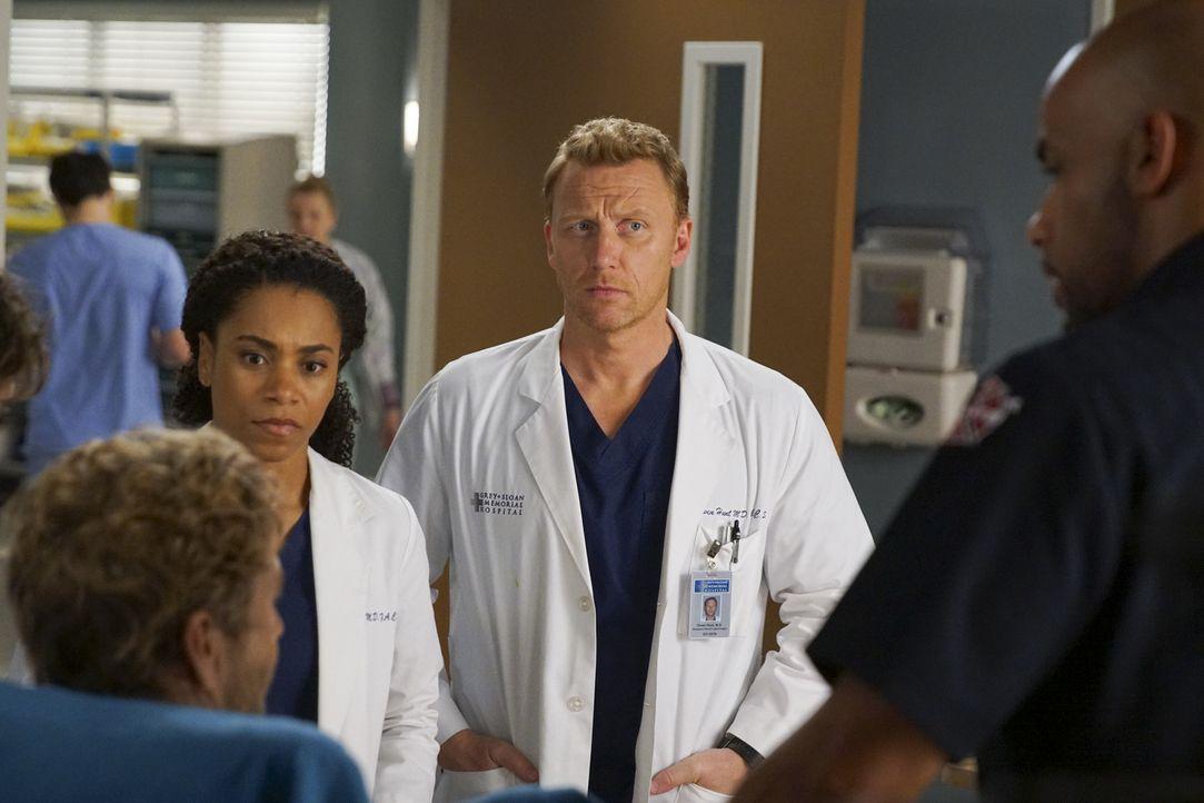 Dr. Maggie Pierce (Kelly McCreary, l.); Dr. Owen Hunt (Kevin McKidd, r.) - Bildquelle: Scott Everett White ABC Studios