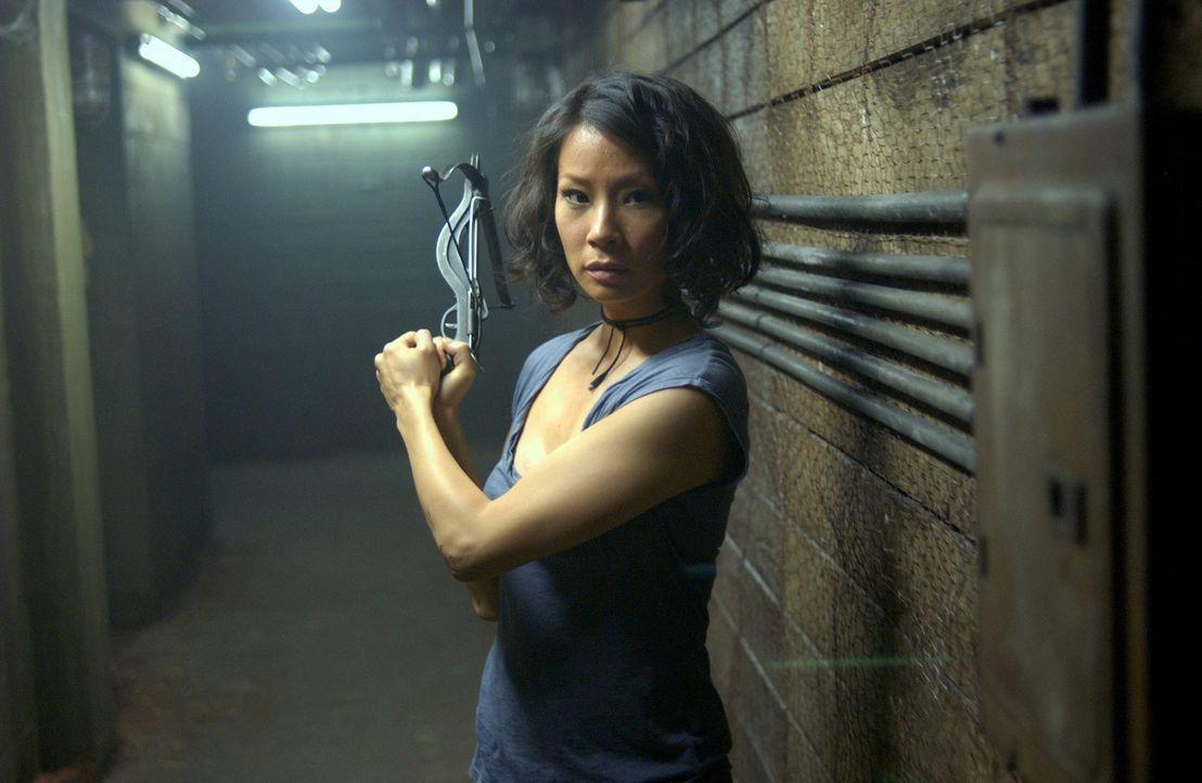 """Bewaffnet mit einer Armbrust macht sich die zu einem Vampri verwandelte """"L. A. Weekly""""-Reporterin Sadie Blake (Lucy Liu) daran, den Sektenboss Bisho..."""