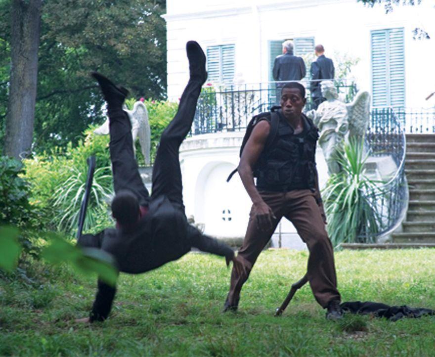 Eiskalte russische Gangster versauen Jack Tolliver (Wesley Snipes, r.) seinen Überfall auf einen Geldtransporter. Und als ob das noch nicht genug w... - Bildquelle: Sony 2007 CPT Holdings, Inc.  All Rights Reserved