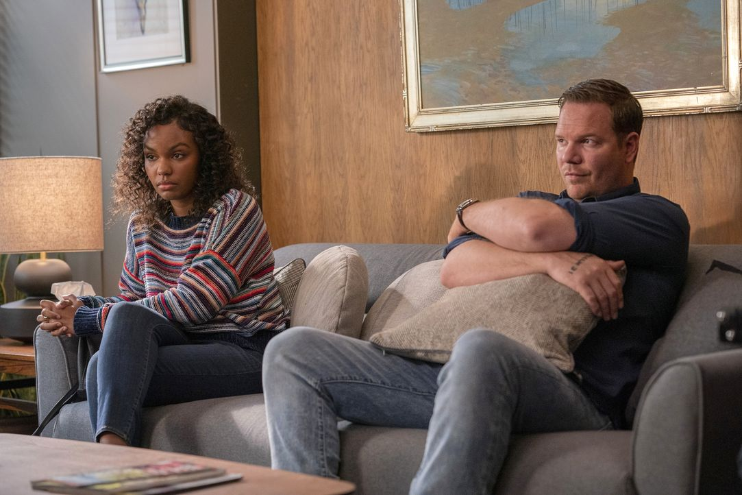 Grace Ryder (Sierra McClain, l.); Judd Ryder (Jim Parrack, r.) - Bildquelle: Jack Zeman 2020 Twentieth Century Fox Film Corporation.  All rights reserved. / Jack Zeman