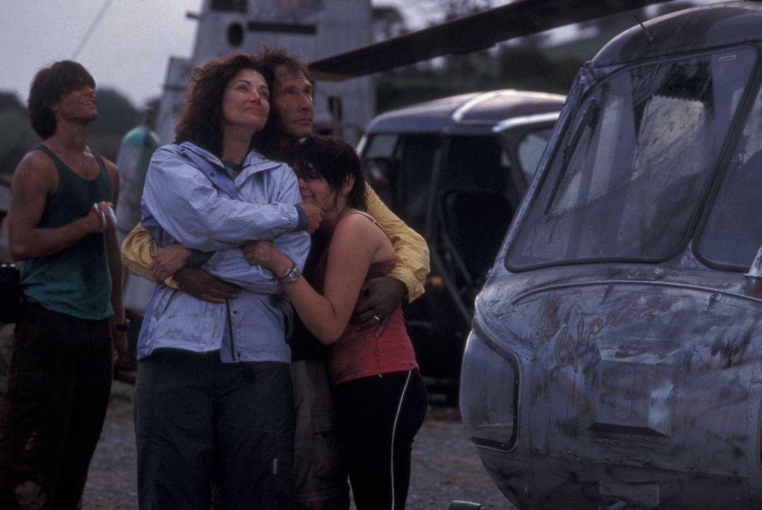 Familientherapie extrem: Janet (Lynda Carter, 2.v.l.) Kevin (Parker Stevenson, r.) und Melanie (Emily Barclay, M.) ... - Bildquelle: Regent Entertainment
