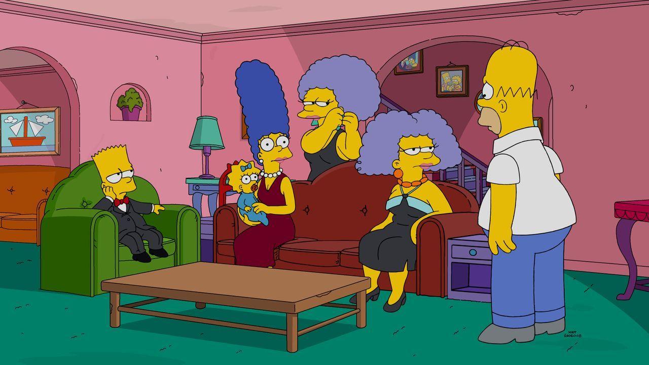 Als die Schwestern seiner Frau Marge (3.v.l.) Patty (3.v.r.) und Selma (2.v.r.) zu Besuch kommen, ist Homer (r.), im Gegensatz zu Bart (l.) und Magg... - Bildquelle: 2016-2017 Fox and its related entities. All rights reserved.