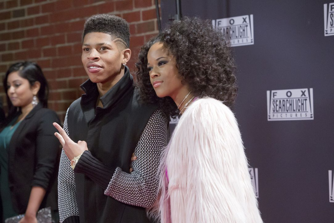 Tiana (Serayah McNeill, r.) und Hakeem (Bryshere Y. Gray, l.) zelebrieren ihre Beziehung in aller Öffentlichkeit ... - Bildquelle: 2015 Fox and its related entities.  All rights reserved.