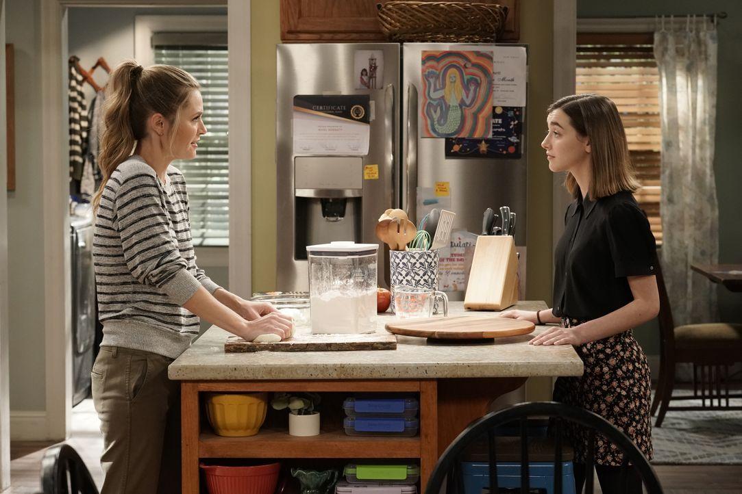 Kay (Maggie Lawson, l.); Nicole (Ashley Boettcher, r.) - Bildquelle: Lisa Rose 2019-2020 Twentieth Century Fox Film Corporation.  All rights reserved / Lisa Rose