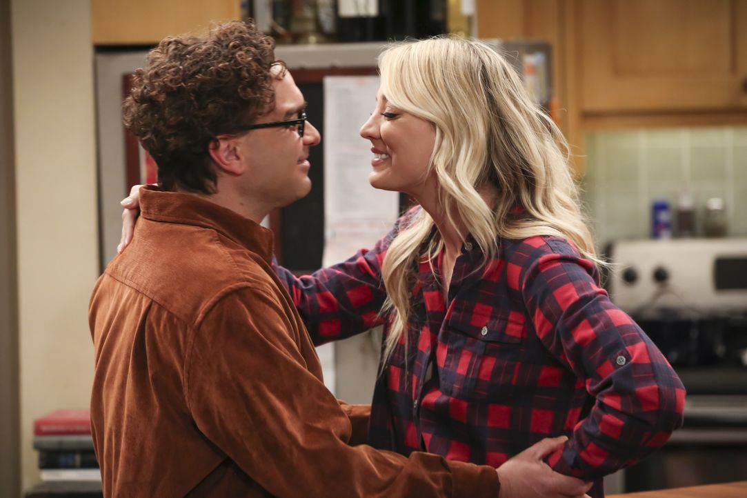 Leonard Hofstadter (Johnny Galecki, l.); Penny (Kaley Cuoco, r.) - Bildquelle: Michael Yarish 2019 CBS Broadcasting, Inc. All Rights Reserved / Michael Yarish