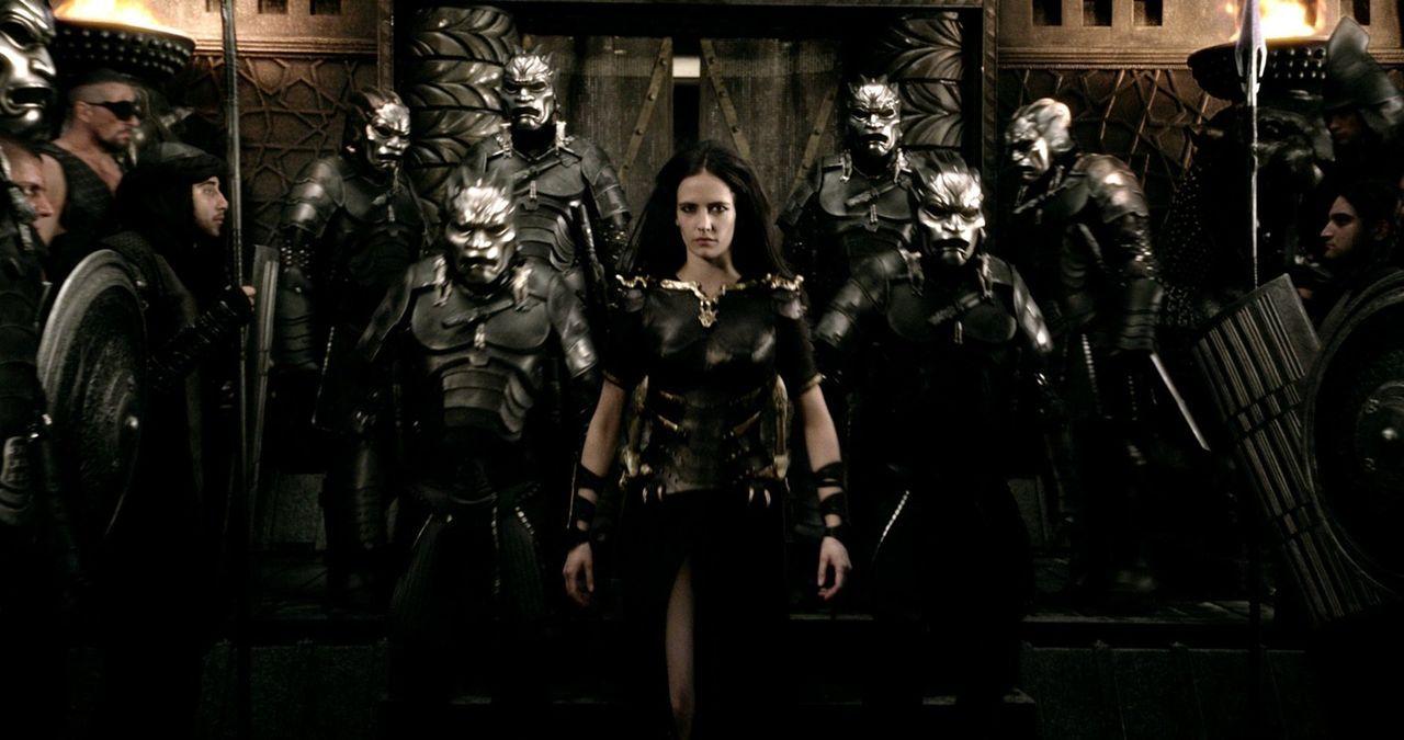Als Anführerin der persischen Flotte führt Artemisia (Eva Green) das Heer in den Kampf gegen die Griechen. Ihr erstes Ziel ist das kaum bewachte Ath... - Bildquelle: 2014 Warner Bros. Entertainment, Inc.