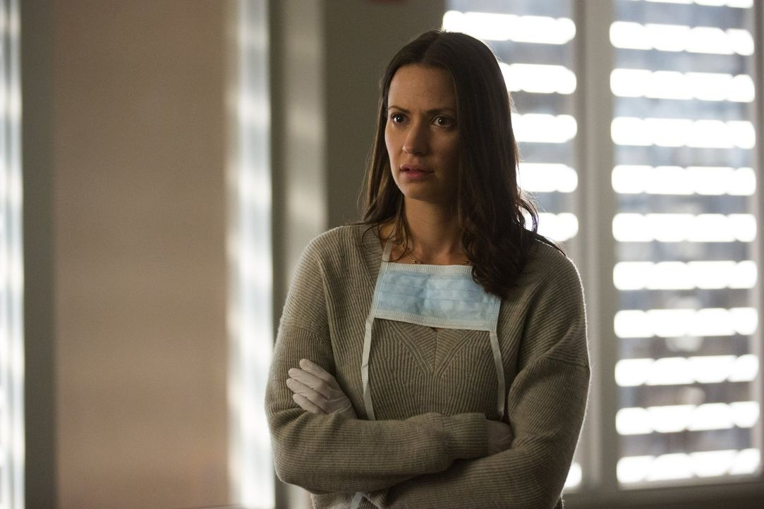 Während Katie (Kristen Gutoskie) sich mit einem wütenden Vater auseinandersetzen muss, wird Leo vor eine schwere Entscheidung gestellt ... - Bildquelle: Warner Brothers