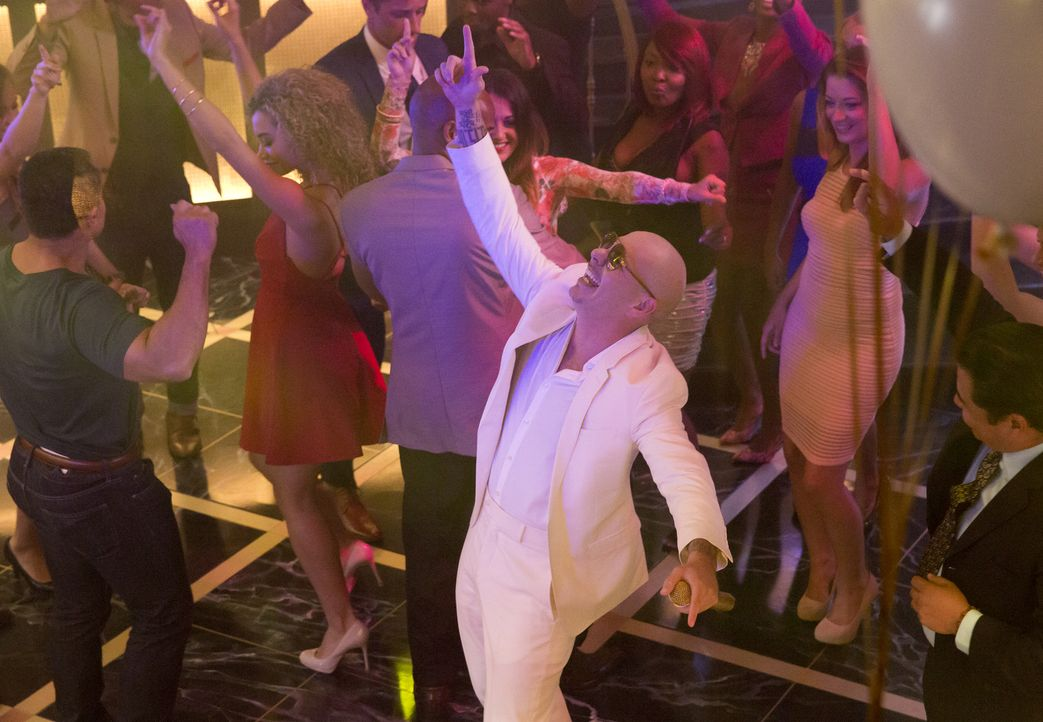 Wenn Lucious feiert, dann richtig: Mit von der Partie Pitbull (Pitbull) ... - Bildquelle: Chuck Hodes 2015-2016 Fox and its related entities.  All rights reserved.
