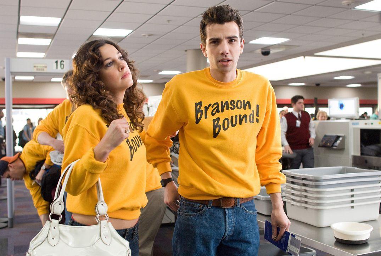Nachdem er Molly verlassen hat, weil sie angeblich zu perfekt für ihn ist, kommt Kirk (Jay Baruchel, r.) wieder mit seiner Ex Marnie (Lindsay Sloane... - Bildquelle: 2009 DREAMWORKS LLC.  All Rights Reserved.