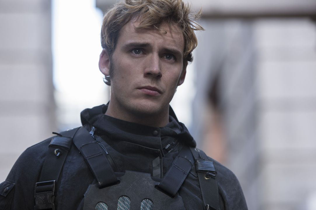 Lässt sich auf ein Himmelfahrtskommando: Finnick (Sam Claflin) ... - Bildquelle: Murray Close TM &   2015 Lions Gate Entertainment Inc. All rights reserved.