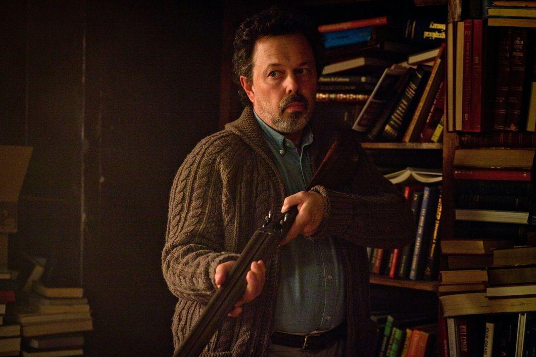 Ist der seltsame Einsiedler (Curtis Armstrong) wirklich ein Bote Gottes? - Bildquelle: Warner Bros. Television