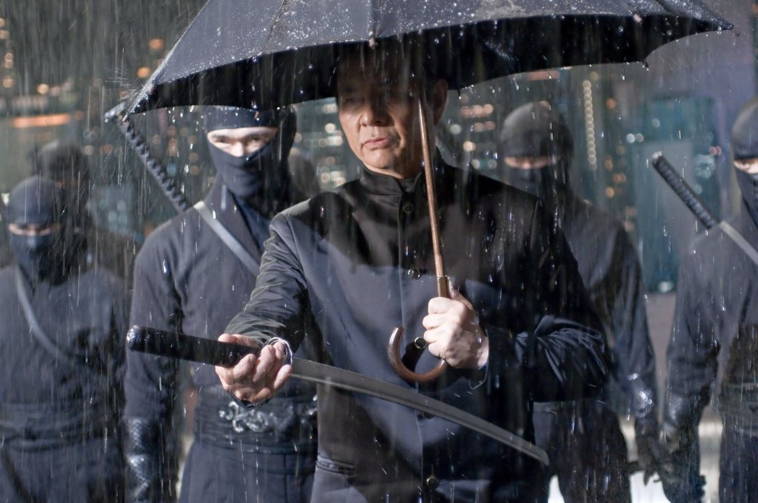 Der Ozunu-Clan schickt sein Killerteam los, angeführt von dem abgebrühten Takeshi (Rick Yune), um die Europol-Agentin Mika Coretti zu töten. Doch... - Bildquelle: 2009 Warner Brothers