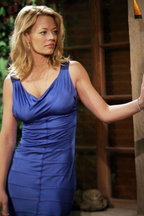 Alan hat es geschafft und wird von Sherri (Jeri Ryen, l.) zu sich nach Hause zum Essen eingeladen ... - Bildquelle: Warner Bros. Television