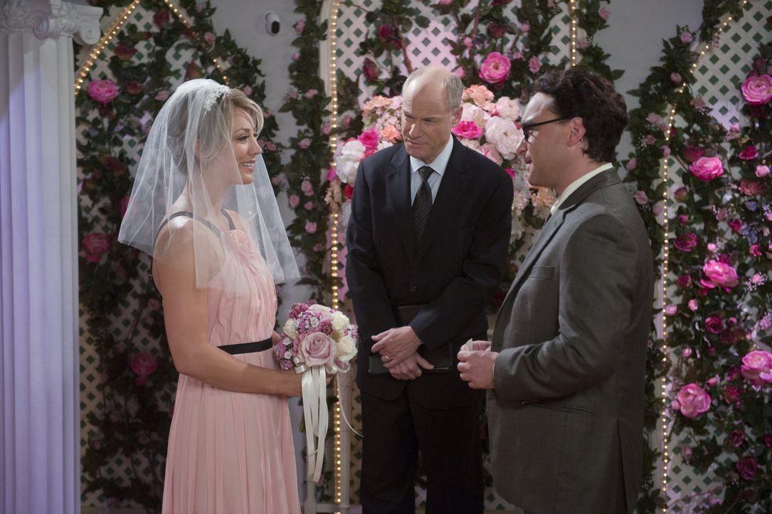 Nach Leonards (Johnny Galecki, r.) Geständnis herrscht eine angespannte Stimmung zwischen Penny (Kaley Cuoco, l.) und ihrem Zukünftigen. Werden sie... - Bildquelle: Warner Brothers