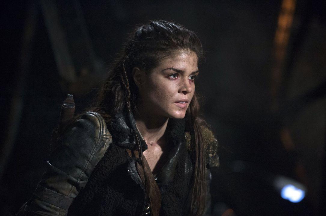 Nachdem Indra schwer verletzt wird, soll Octavia (Marie Avgeropoulos) ihre Rolle als Stellvertreterin wahrnehmen ... - Bildquelle: 2014 Warner Brothers