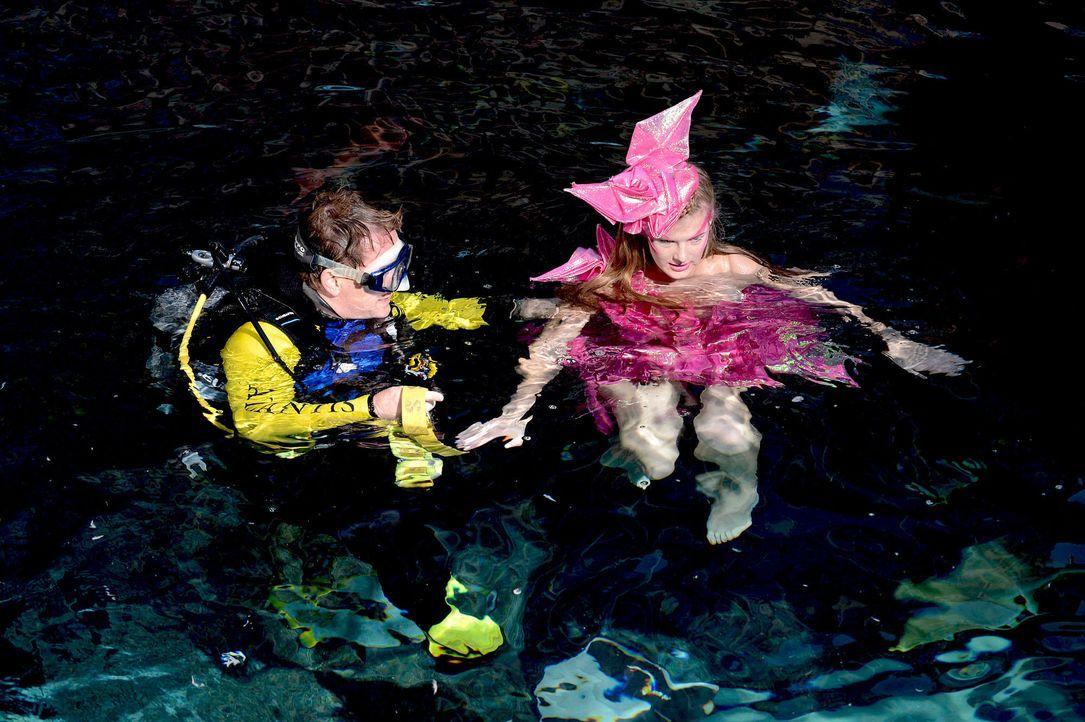 gntm-stf08-epi02-unterwasser-shooting-61-oliver-s-prosiebenjpg 2000 x 1331 - Bildquelle: Oliver S. - ProSieben