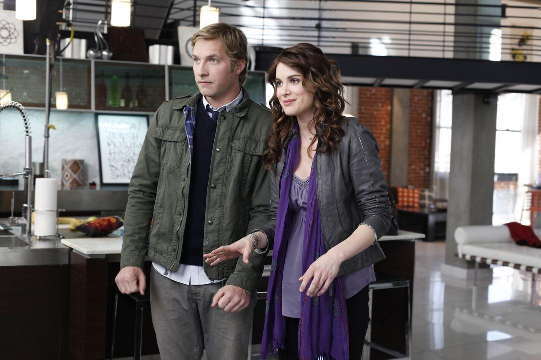 Freunde, in allen Lebenslagen: Ben (Ryan Hansen, l.) und Sara (Danneel Ackles, r.) ... - Bildquelle: NBC Universal, Inc.