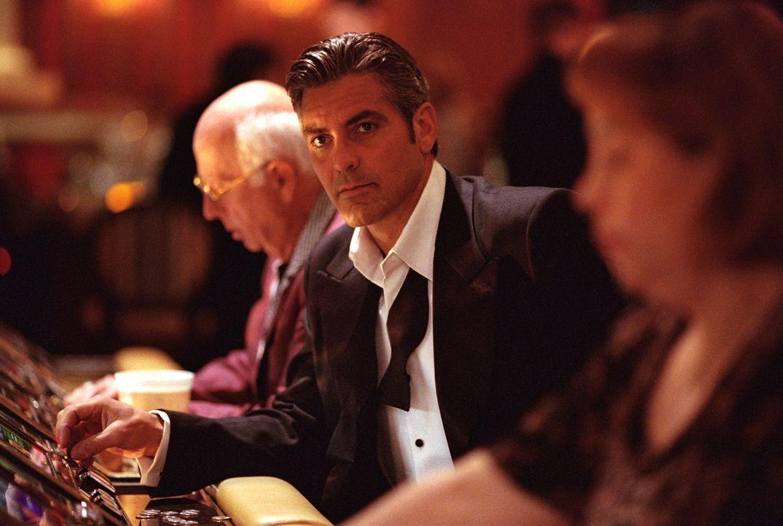 Versucht alles, um seine Ex-Frau zurückzuerobern: Danny Ocean (George Clooney) ... - Bildquelle: Warner Bros. Pictures