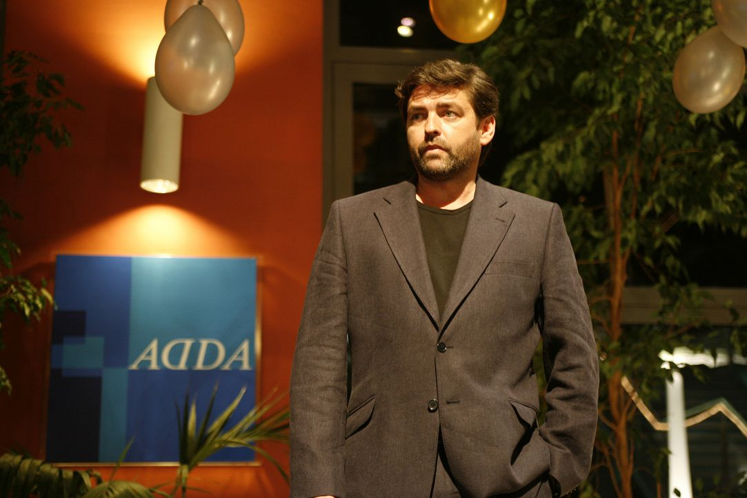 Der alkoholkranke Matt McKays (Angus Macfadyen) vermutet, dass seine Frau ihn betrügt. Um Gewissheit zu bekommen, beauftragt er seinen Mitarbeiter... - Bildquelle: Sony 2007 CPT Holdings, Inc.  All Rights Reserved.
