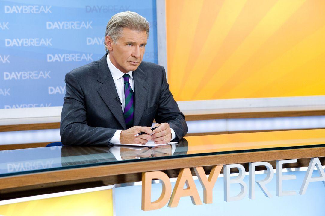 """Der selbstherrliche alternde Moderator Mike Pomeroy (Harrison Ford) soll ab sofort die morgendlichen Nachrichtensendung """"Daybreak"""" moderieren, doch... - Bildquelle: 2010 Paramount Pictures.  All rights reserved."""
