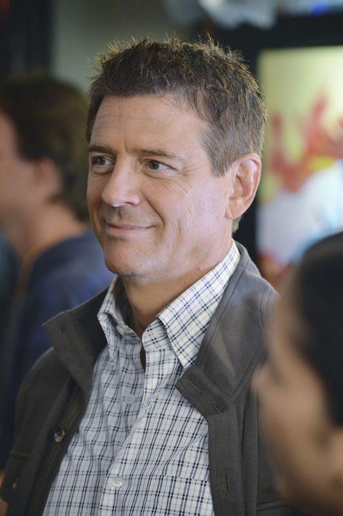 Jake ist von Eli Wilson (Christopher Cousins), dem neuen Freund seiner Tochter, alles andere als begeistert ... - Bildquelle: ABC Studios