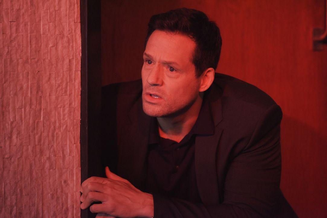 Eine Gruppe Terroristen versucht, in Quantico einzudringen, was Miranda und Liam (Josh Hopkins) dazu zwingt, einen tödlichen Preis zu zahlen ... - Bildquelle: Philippe Bosse 2015 ABC Studios