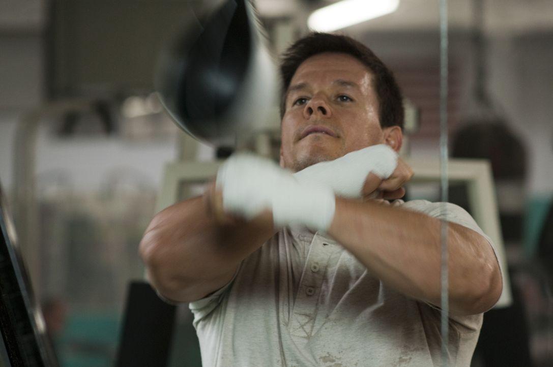 Erst als sein Bruder im Knast landet, gelingt es Micky (Mark Wahlberg) auch mit Hilfe eines neuen Teams, sich voll und ganz aufs Boxen zu konzentrie... - Bildquelle: 2010 Fighter, LLC All Rights Reserved