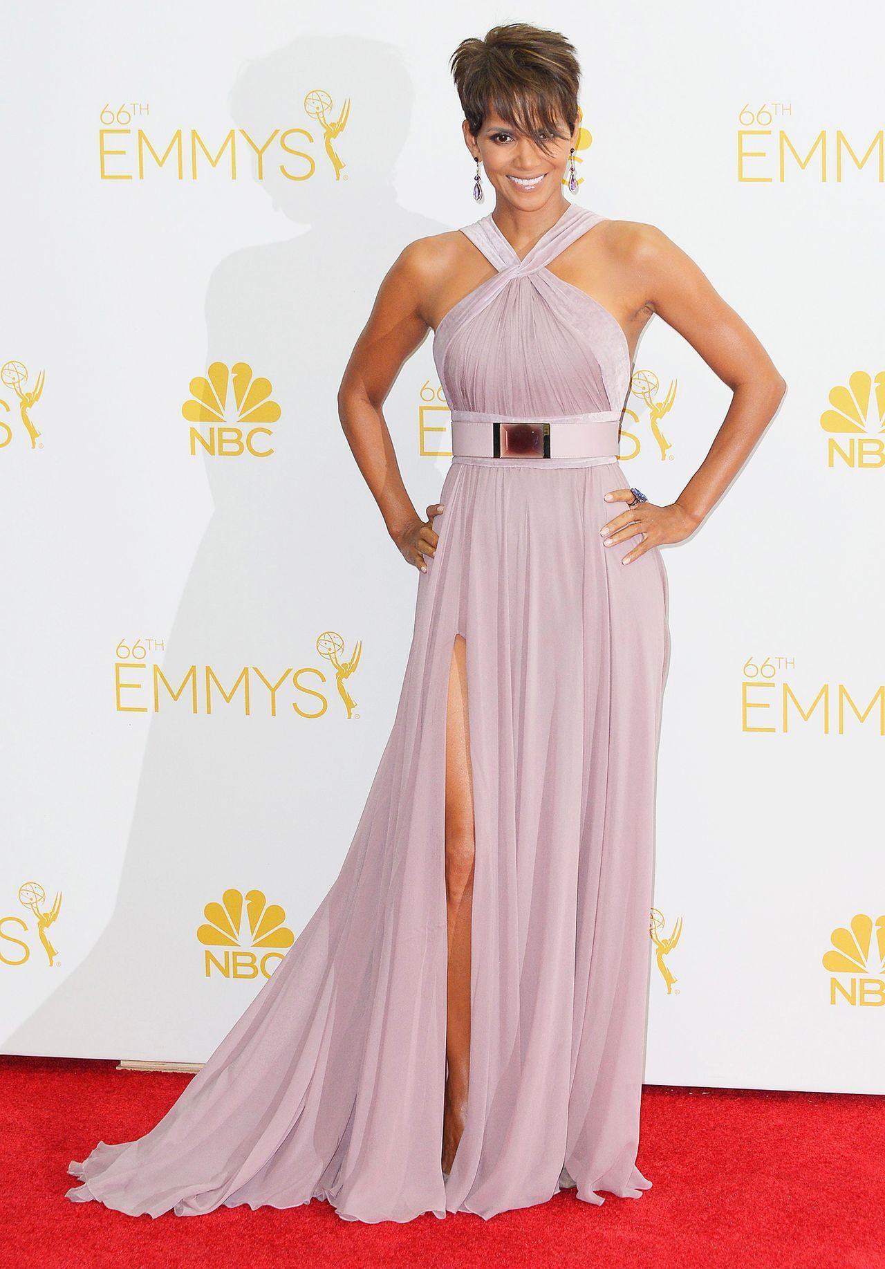 b3e653e038c Halle-Berry-14-08-26-Emmy-Awards-dpa -