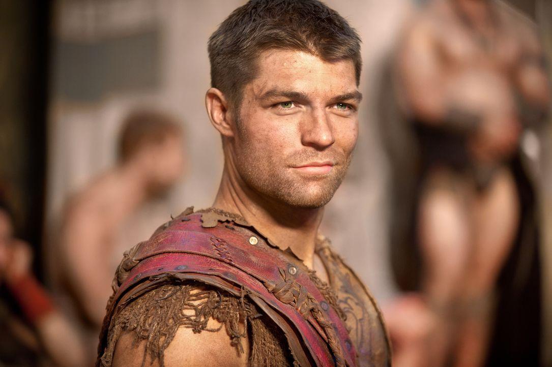 Um zwischen den verfeindeten Gruppen innerhalb des Lagers ein Wir-Gefühl entstehen zu lassen, gibt Spartacus (Liam McIntyre) ein großes Fest mit all... - Bildquelle: 2011 Starz Entertainment, LLC. All rights reserved.
