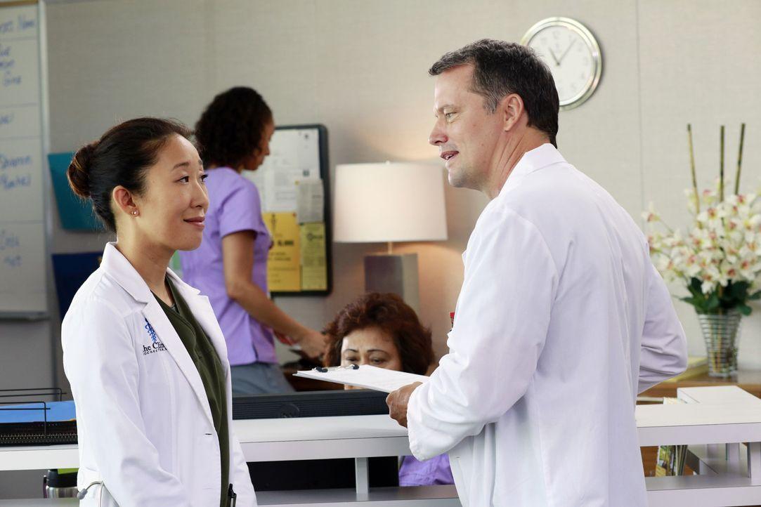 Während es zwischen Jackson und April zu Spannungen kommt, als sie an einem gemeinsamen Fall arbeiten, muss Cristina (Sandra Oh, l.) Dr. Parker (St... - Bildquelle: ABC Studios