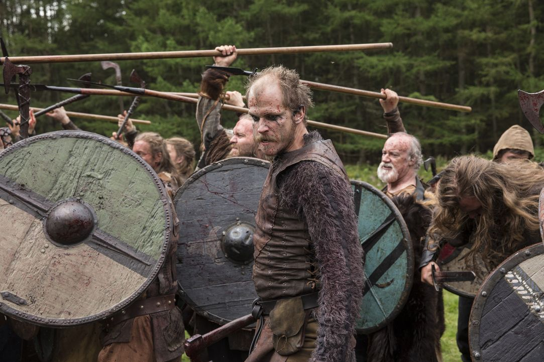 Im Kampf gegen Jarl Borg gibt Floki (Gustaf Skarsgård) alles ... - Bildquelle: 2014 TM TELEVISION PRODUCTIONS LIMITED/T5 VIKINGS PRODUCTIONS INC. ALL RIGHTS RESERVED.