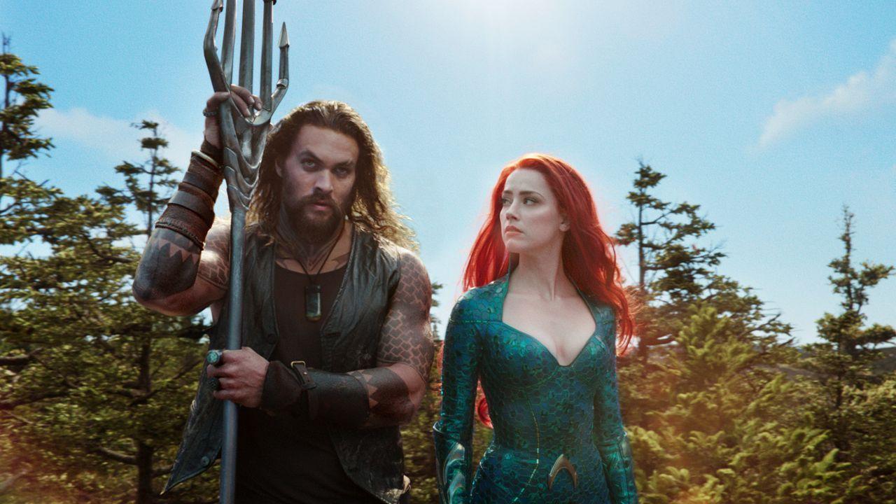 Arthur Curry / Aquaman (Jason Momoa, l.); Mera (Amber Heard, r.) - Bildquelle: TM and © DC © Warner Bros. Ent. Inc.  All Rights Reserved.