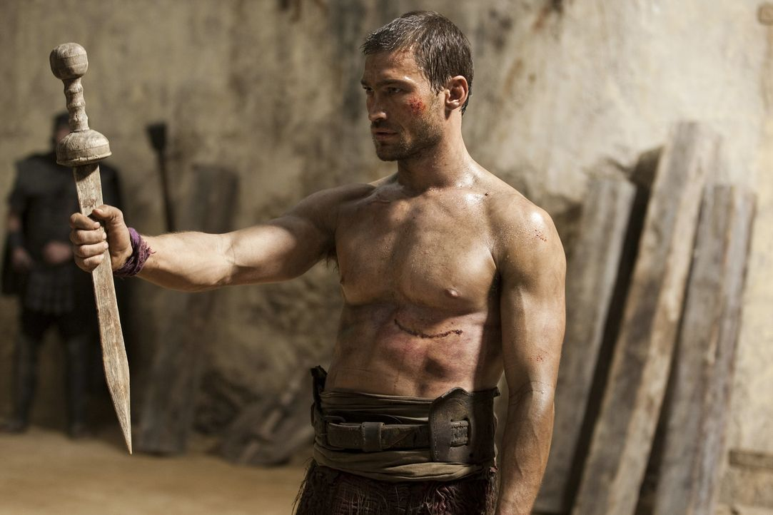 Kassiert prompt eine herbe Niederlage: Spartakus (Andy Whitfield) ... - Bildquelle: 2010 Starz Entertainment, LLC
