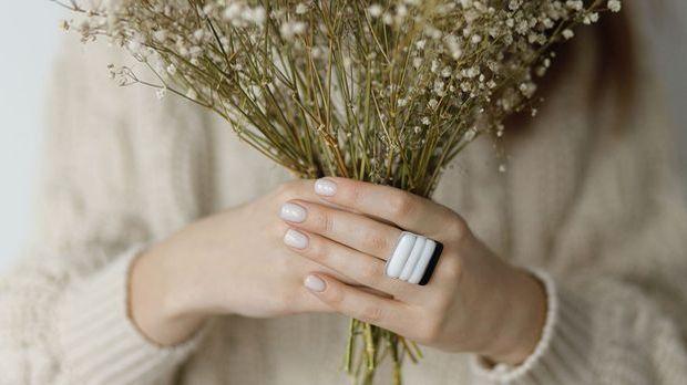 Kennt ihr schon den Nail-Trend Babyboomer Nägel? Wir haben die Hacks zum Nach...