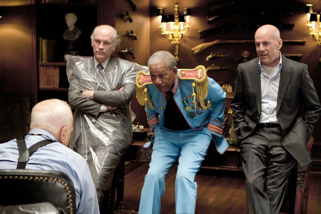Im Kreuzverhör: (v.l.n.r.) Marvin Boggs (John Malkovich), John Matheson (Morgan Freeman) und Frank Moses (Bruce Willis) ... - Bildquelle: 2010 Concorde Filmverleih GmbH