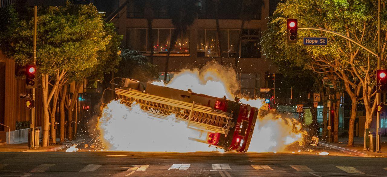 Ganz Los Angeles ist in Alarmbereitschaft, nachdem zwei Briefbomben explodie... - Bildquelle: Jack Zeman 2018-2019 Twentieth Century Fox Film Corporation.  All rights reserved. / Jack Zeman