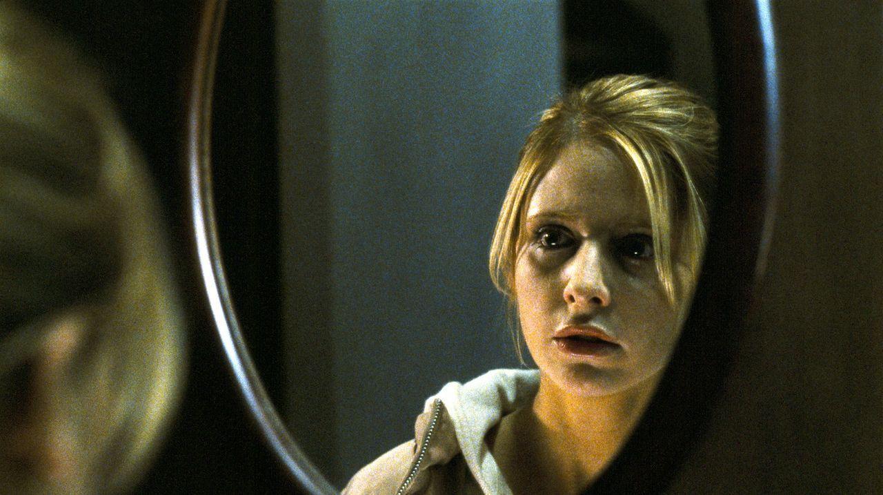Worin liegt das Geheimnis dieses Hauses? Dieser Frage versucht Karen (Sarah Michelle Gellar) immer wieder auf den Grund zu gehen .... - Bildquelle: Constantin Film