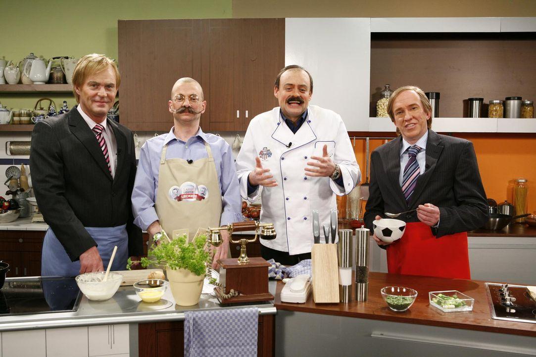 Im Kochstudio: (v.l.n.r.) Gerhard Delling (Michael Müller), Horst Lichter (Michael Kessler), Johann Lafer (Max Giermann) und Günter Netzer (Peter... - Bildquelle: ProSieben