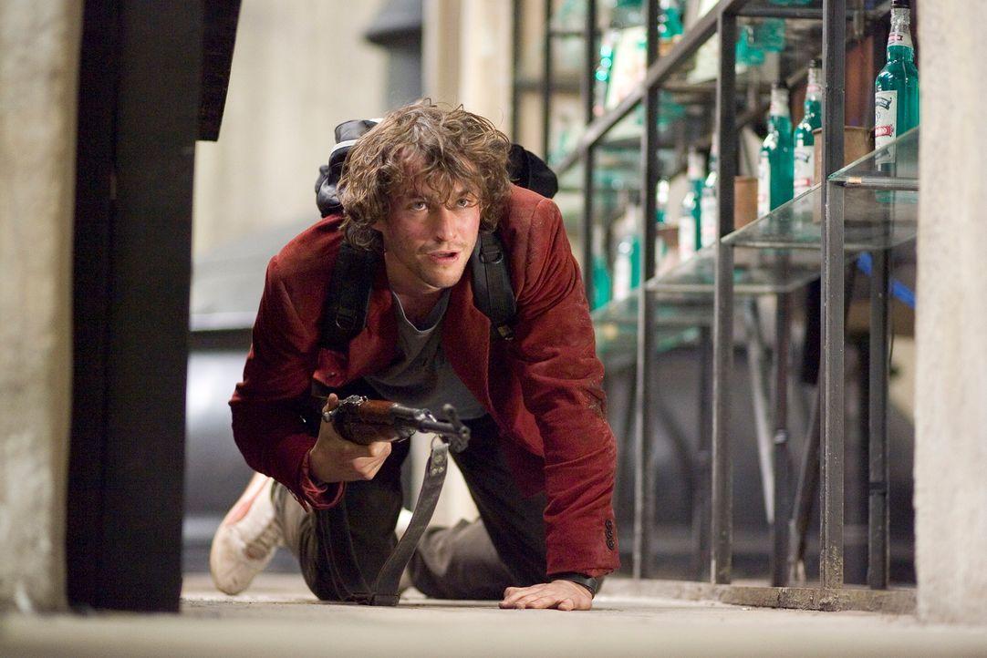 Erkennt erst spät, dass er mitten unter Werwölfe geraten ist: der liebenswerte Comiczeichner Aiden (Hugh Dancy) ... - Bildquelle: 2007 Kinowelt GmbH
