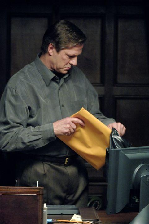 FBI-Agenten Robert Hanssen (Chris Cooper) verkauft seit über 20 Jahren geheime US-Informationen an die frühere Sowjetunion. Um ihn endlich dingfest... - Bildquelle: Universal Pictures