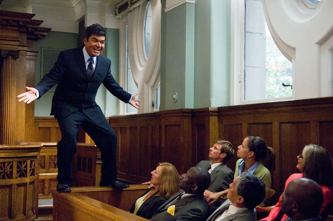 Eddie Serrano (George Lopez) ist ein erfolgreicher und einfallsreicher Anwalt. Als alleinerziehender Vater ist er allerdings wenig erfolgreich ... - Bildquelle: 2010 Warner Brothers