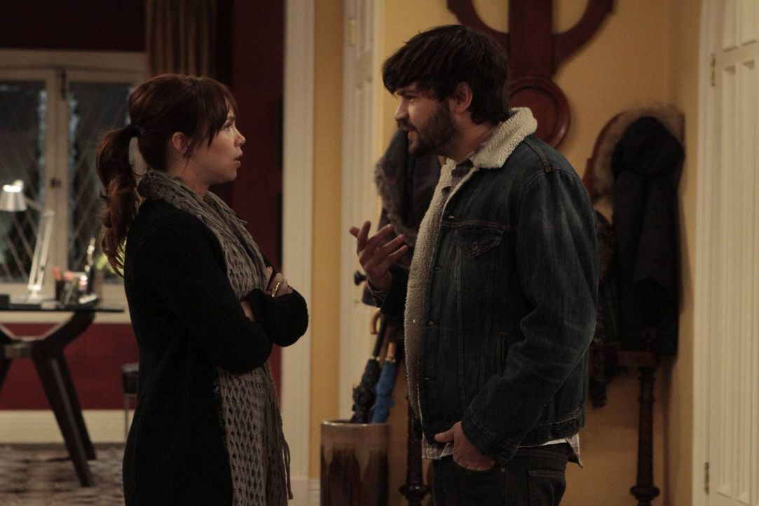 Kristin (Amanda Fuller, l.) trifft sich wieder mit ihrem Ex-Freund und versucht dies vor Ryan (Jordy Masterson, r.) geheim zu halten ... - Bildquelle: 2011 Twentieth Century Fox Film Corporation