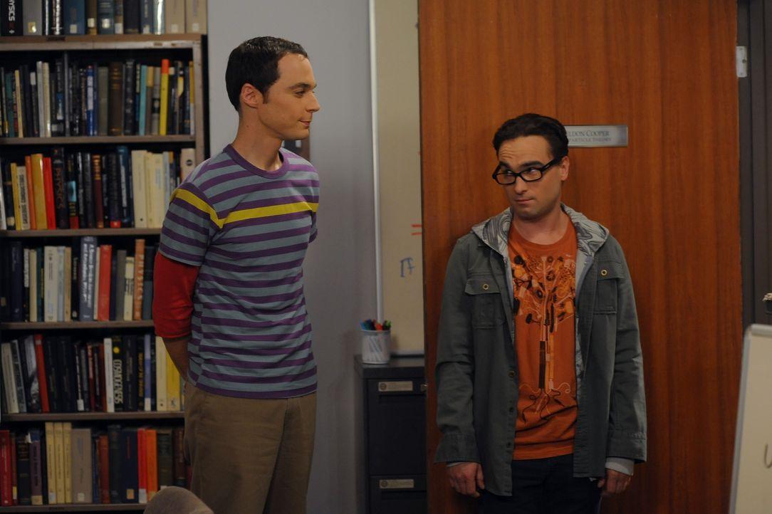 Sheldon Cooper (Jim Parsons, l.); Leonard Hofstadter (Johnny Galecki, r.) - Bildquelle: Warner Bros. Television
