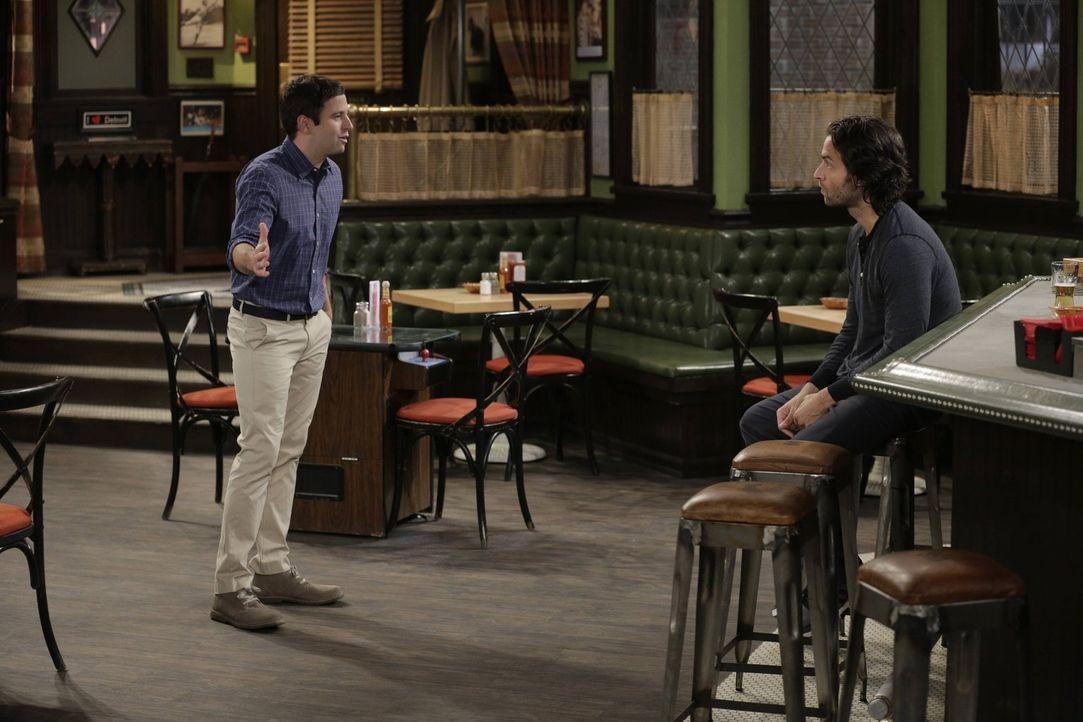 Klappt Dannys (Chris D'Elia, r.) merkwürdiger Trick, Justin (Brent Morin, l.) mit Nicki zu verkuppeln? - Bildquelle: Warner Brothers
