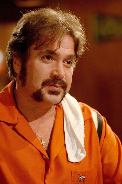 Max (Michael Rispoli) glaubt fest an Vince Papale, und überredet ihn, am Probetraining teilzunehmen ... - Bildquelle: Ron Phillips Disney Enterprises, Inc.  All rights reserved