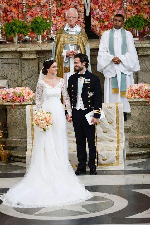 Hochzeit-Prinz-Carl-Philip-Sofia-Hellqvist-15-06-13-5-dpa - Bildquelle: dpa