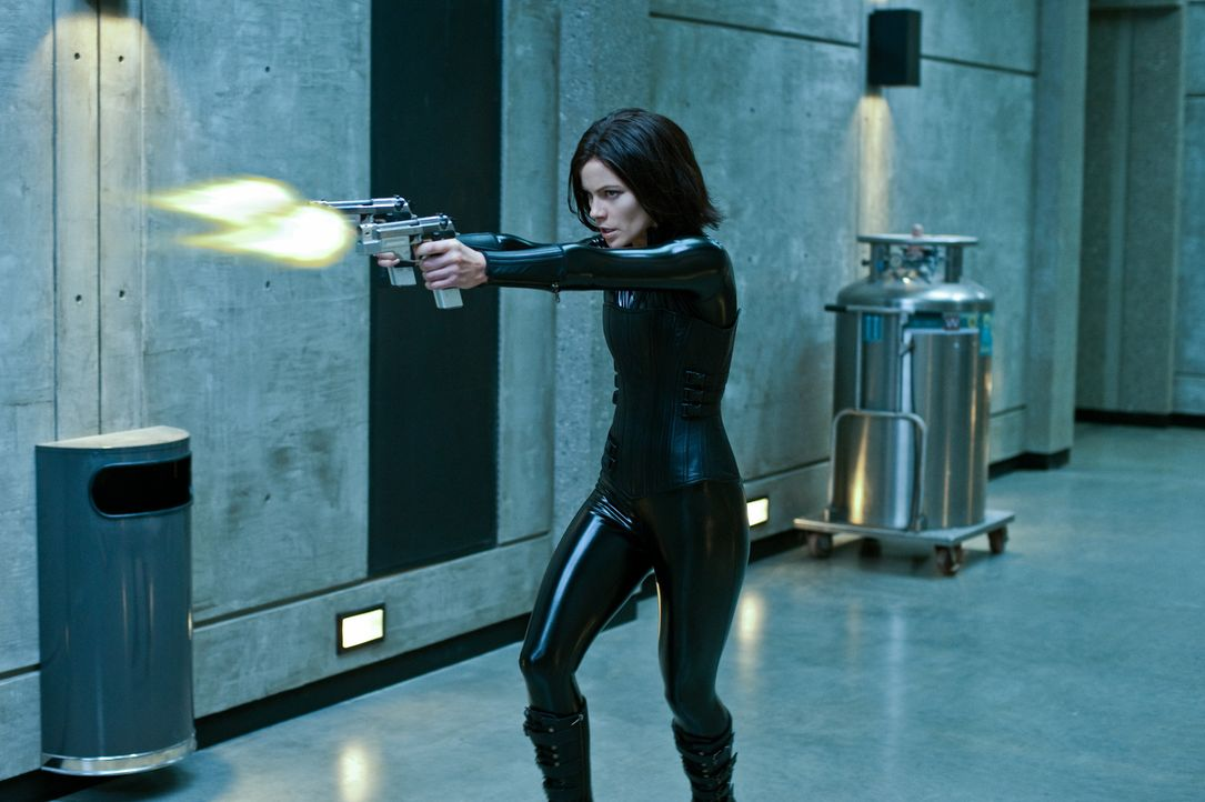 Um ihre Tochter zu retten, muss sich Selene (Kate Beckinsale) einem genetisch aufbereiteten Über-Lykaner stellen ... - Bildquelle: 2012 Lakeshore Entertainment Group LLC. All Rights Reserved.