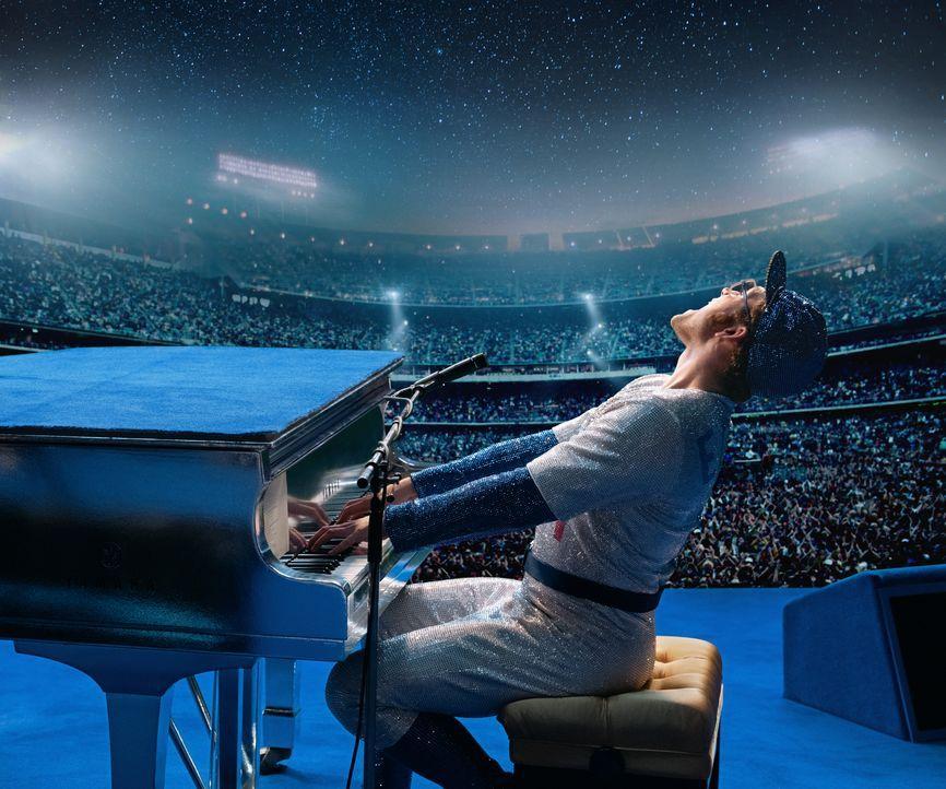 Elton John (Taron Egerton) - Bildquelle: David Appleby 2021 Paramount Pictures. All Rights Reserved. / David Appleby