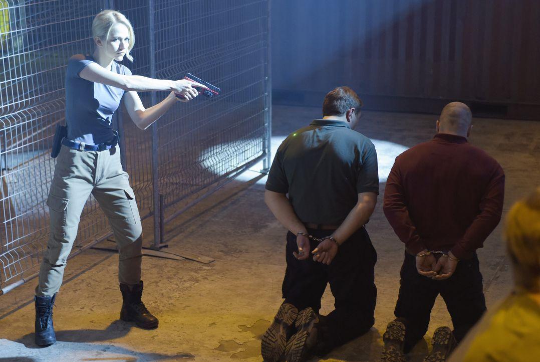 Hat Shelby (Johanna Braddy, l.) ihre Aufgabe gemeistert? - Bildquelle: Philippe Bosse 2015 ABC Studios